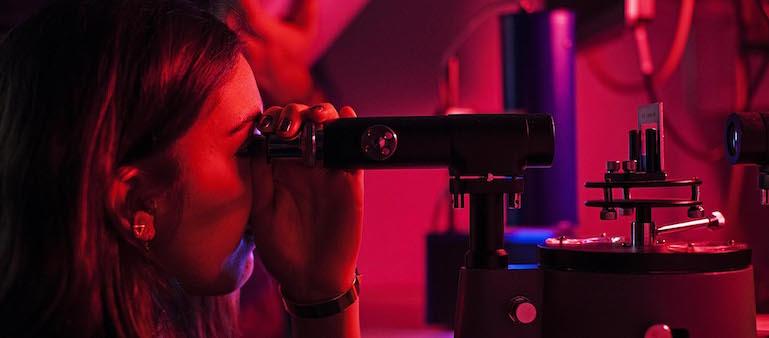 Student using spectrometer